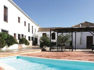 Nice home in Villanueva del Trabuco w/ Outdoor swimming pool, Outdoor swimming p