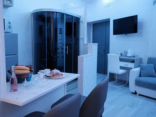 Luxury Holidays with Hydromassage Cabin