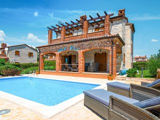 3 bedroom Villa with Pool, Air Con and WiFi - 5781468
