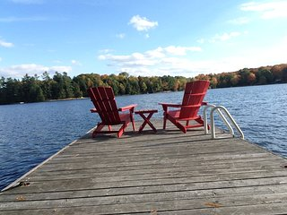 Tall Trees~3 Bedrooms & 1.5 Bathrooms on Pristine Bruce Lake in Muskoka