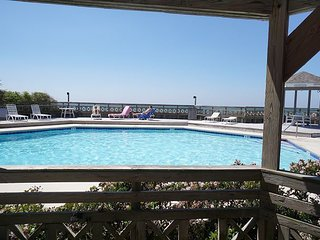 2 bdrm/2 bath home, pools, tennis, north cape w/beach gear