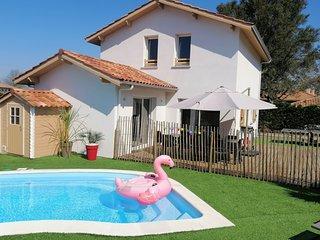 VILLA CASA KOKO piscine chauffée, plage à 1.2 kms, à Vieux-Boucau-Sud Landes