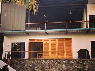 OneWaveSurfHouse Playa Sunzal