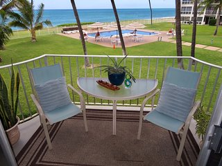 *Beautiful Beachfront Condo with Sunsets and Pool*