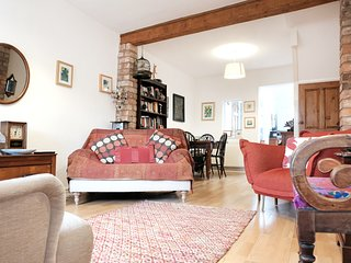 Stylish cottage in heart of historic city centre