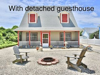 Beach home w/ detached guest cottage