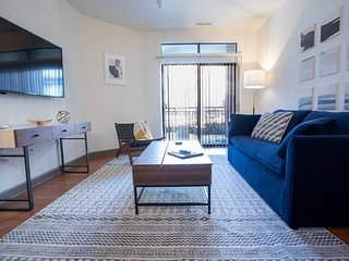 Upper Canal Contemporary One Bedroom