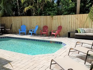 Large Paddle Board Beach Home 5 houses from the Beach! POOL HEAT INCLUDED.
