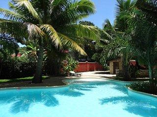 Villa de standing avec piscine