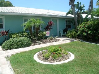 SAND DOLLAR BEACH SIDE VILLA