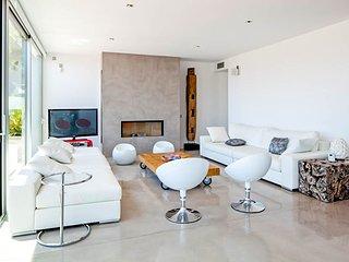 Es Cubells Villa Sleeps 12 with Pool and Air Con - 5781976