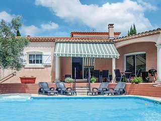 Beautiful home in Lamalou les Bains w/ WiFi, Outdoor swimming pool and 4 Bedroom