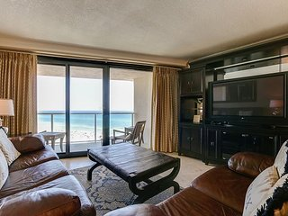Let sunshine and cool Gulf breeze relax your mind & body in Beachside 4288