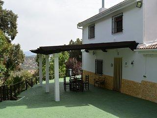 Cortijo Las Chorreras casa con piscina climatizada