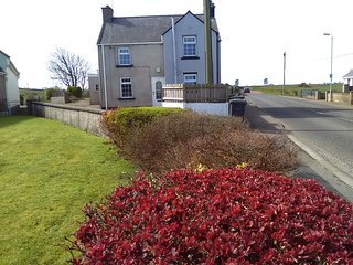 Causeway Calm - Traditional Irish Cottage very close to the Giants Causeway.