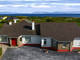 AMAZING DIRECT sea views. PERFECT for LARGE groups. 10 mins to Galway