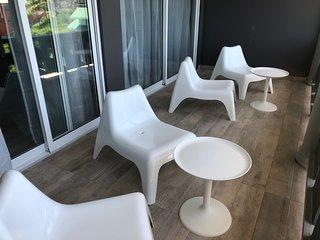 Stone's Island Suites