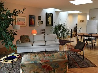 Sunny art filled apartment in historic downtown Baltimore