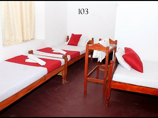 Comfort room in Jaffna for 4 pax - 103