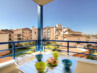 1 bedroom Apartment with WiFi and Walk to Beach & Shops - 5061970