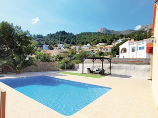 Awesome home in Calpe w/ WiFi, Outdoor swimming pool and 3 Bedrooms