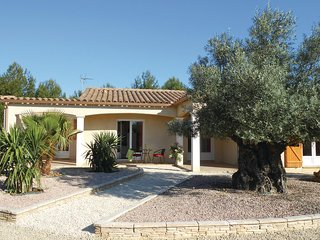 Beautiful home in Ferrals les Corbieres w/ Outdoor swimming pool, WiFi and Outd