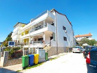 Apartment 437