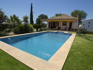 Holiday home up 4 persons between Seville and Malaga. Free Wifi. Private pool.