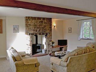 Granary Cottage - E5634