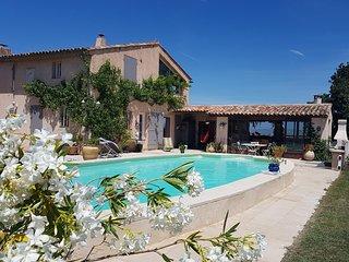 Mas Bel Azur, Charm of Provence