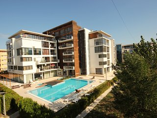 Eden B307 - Comfortable 1bedroom apartment with Pool View