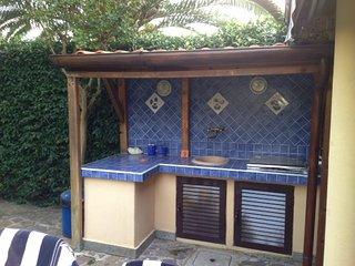TORRE MAREMMA, Nice Garden Villa, 9 sleeps