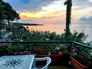 Costa degli Dei, Briatico, appartamento sul mare