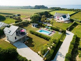 Kerfiat Villa Sleeps 12 with Pool and WiFi - 5822348