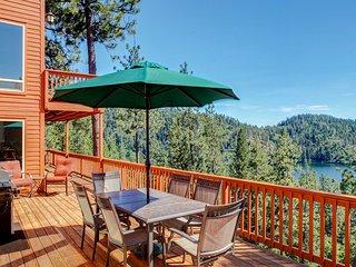 'Two Lakes View Lodge' in Coeur d'Alene w/ 3 Decks