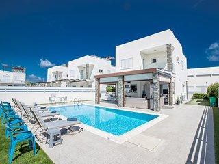 Anemoni 8, 4 Bedroom Luxury Villa in the center with roof garden