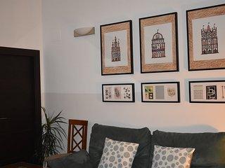 Junto al Alcazar de la Puerta de Sevilla. Parking - 3 dormitorios - 2 banos