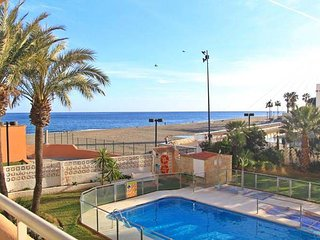 Fantastic 2 bedrooms apartment  right on the beach, Fuengirola