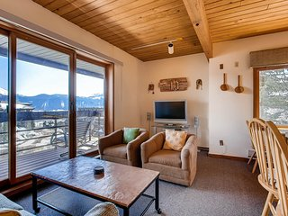 1 Br With Amazing Views of Mountain Range