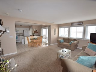 ITS ALL ABOUT THE VIEW! 2 Bed/2Bath (Sleeps 8) LARGE PATIO-Great View!Wifi