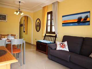 Atlantico holiday home. Cozy sea view apartment with private parking space