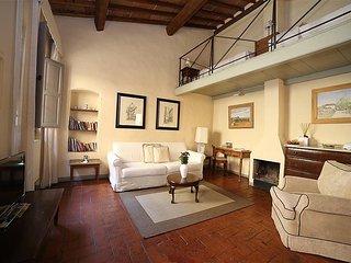 Oltrarno Villa Sleeps 6 with Air Con - 5782290