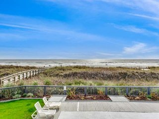 Free Parking & Wifi Plus Free Tickets to Local Attractions! Lovely Oceanfront Co