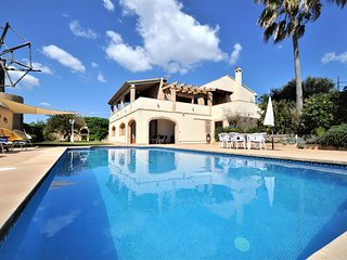 Calendar 2021 Opened! ES MOLI NOU- Rustic House in Son Servera. Private pool. A/