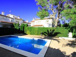 BEDOL1 Adosado jardin, piscina comun, WiFi gratis
