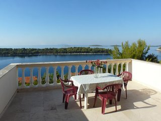 A1 apartment near beach with terrace and the sea view