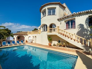 5 bedroom Villa with Pool, Air Con and WiFi - 5047086