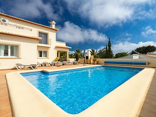 3 bedroom Villa with Pool, Air Con and WiFi - 5751288