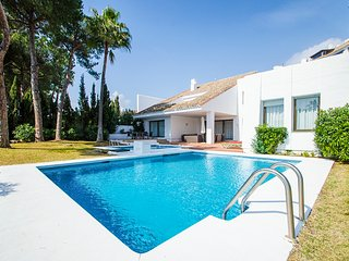 5 bedroom Villa with Pool, Air Con and WiFi - 5782314