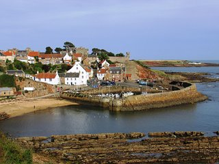Cosy Stoney Creek Cottage in Coastal Crail, ideal retreat for couples